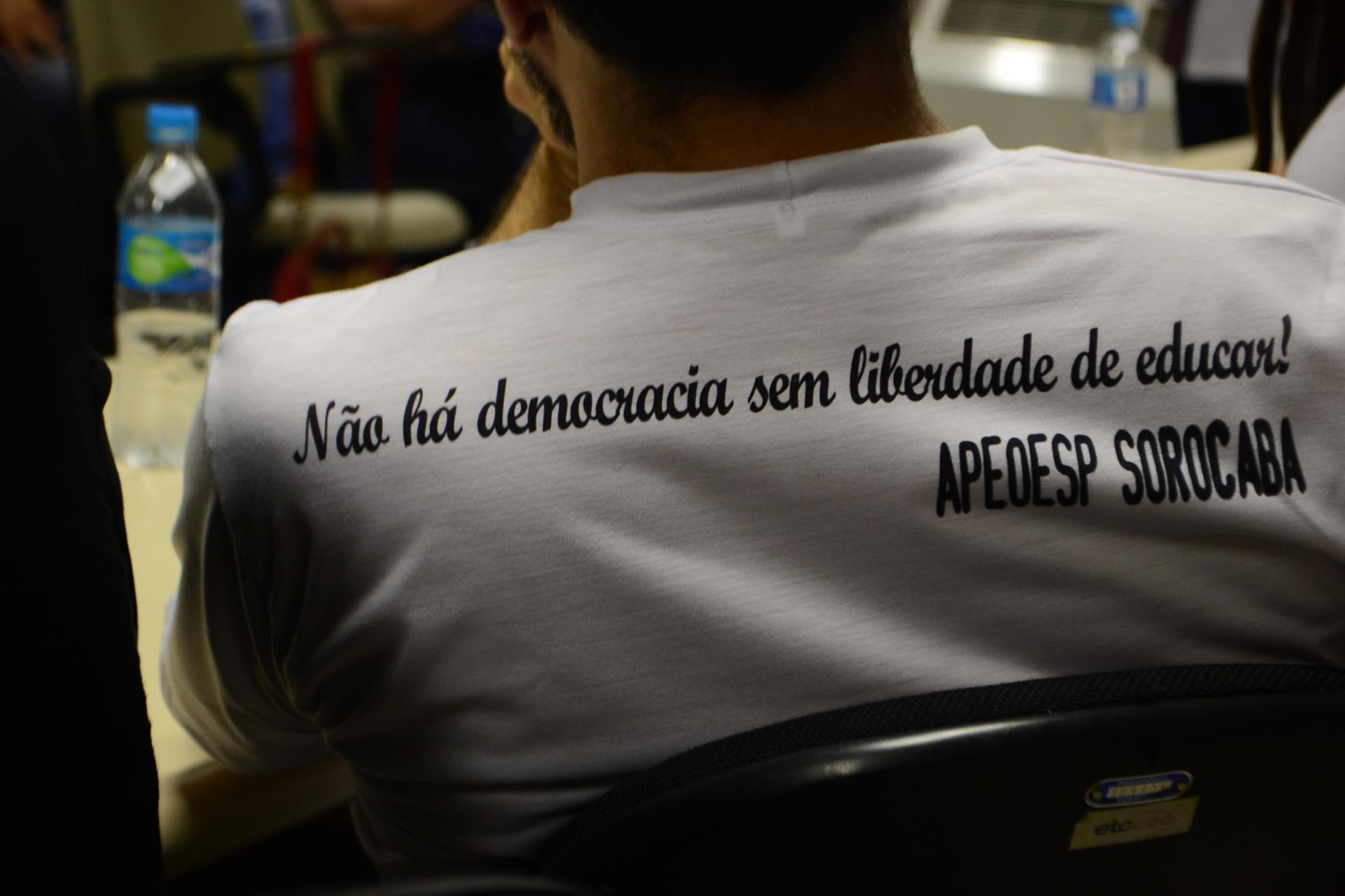Ato do dia 28 em Sorocaba (Foto: Apeoesp)