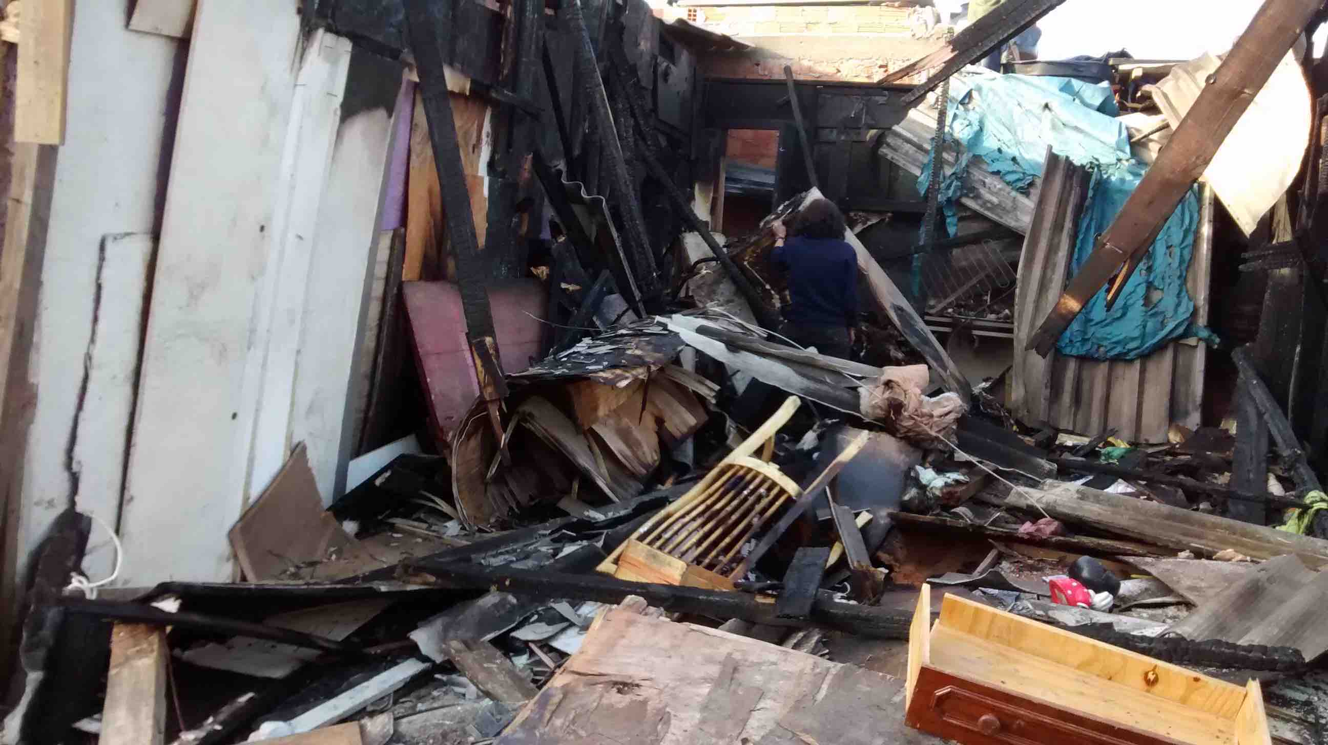 20160719 Caramante favela queimada