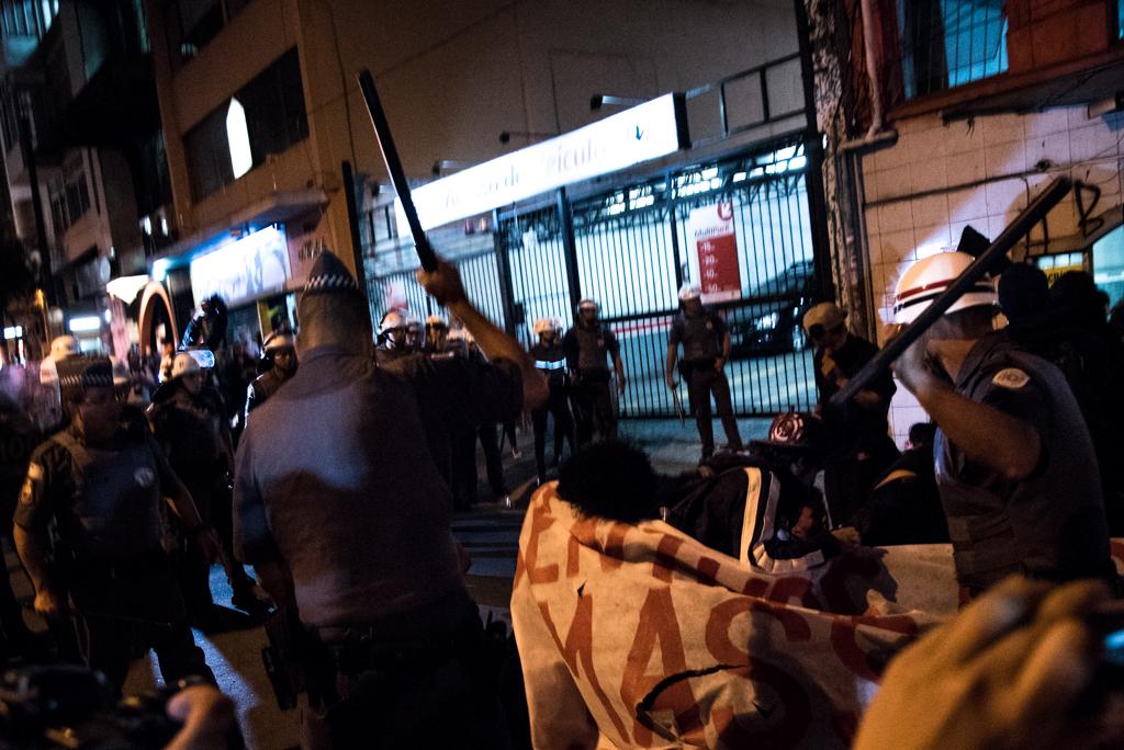 Protesto olimpíadas (10)