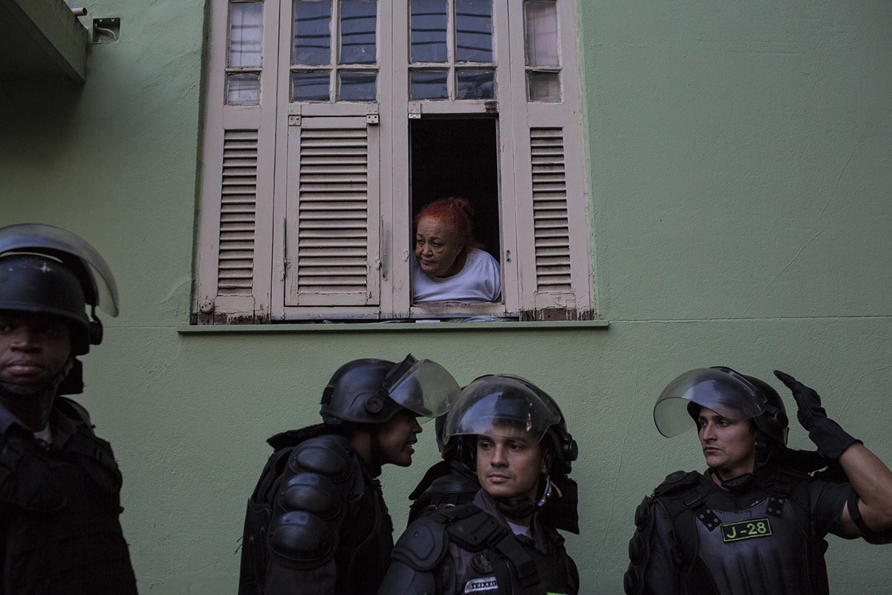 Em conjunto com o Laboratório de Análise da Violência, da UFRJ, a polícia do Rio elaborou um índice esperado de consumo de munição para controlar a quantidade de disparos efetuados pelos agentes. Foto: Alejandro Olivares/Agência Pública