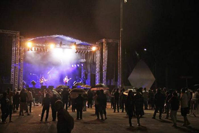 Festa ocorria na noite do dia 30 de novembro de 2016 na praça Beira Rio, em Registro (SP), em comemoração ao aniversário da cidade - Foto: Divulgação/Prefeitura