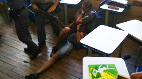 aluno agredido policia