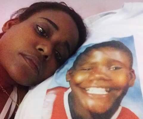 Resultado de imagem para Mãe que perdeu filho Janaína Soares